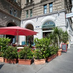 Regina Hotel вид на фасад