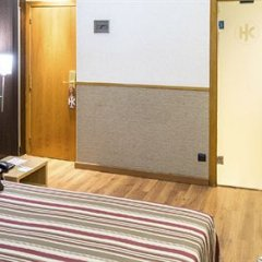 Отель Catalonia Sagrada Familia 3* Стандартный номер с различными типами кроватей фото 9