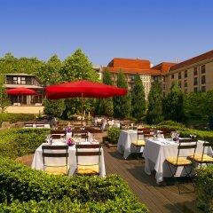 Отель The Westin Grand, Berlin столовая на открытом воздухе