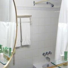 Отель Maritime Plaza Hotel Канада, Монреаль - отзывы, цены и фото номеров - забронировать отель Maritime Plaza Hotel онлайн ванная фото 2