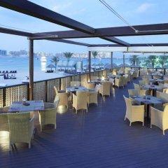 Отель Le Méridien Mina Seyahi Beach Resort & Marina гостиничный бар