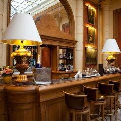 Отель LOTTI Париж гостиничный бар