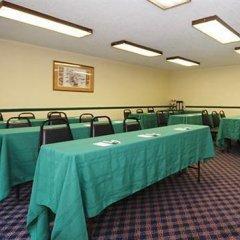 Отель Quality Inn & Suites North Колумбус помещение для мероприятий