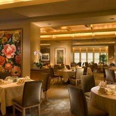 Отель Conrad Centennial Singapore ресторан