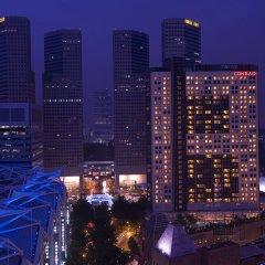 Отель Conrad Centennial Singapore вид на город