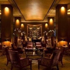 Отель Conrad Centennial Singapore вестибюль отеля