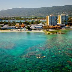 Отель Sunset Beach Resort Spa and Waterpark All Inclusive Ямайка, Монтего-Бей - отзывы, цены и фото номеров - забронировать отель Sunset Beach Resort Spa and Waterpark All Inclusive онлайн бассейн фото 3