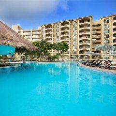 Отель The Royal Islander Мексика, Канкун - отзывы, цены и фото номеров - забронировать отель The Royal Islander онлайн бар у бассейна