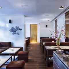 The Mandala Hotel вестибюль отеля