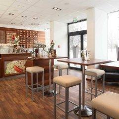 Rilano 24I7 Hotel München гостиничный бар