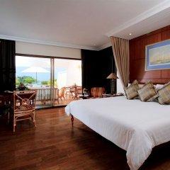 Отель The Royal Phuket Yacht Club 5* Номер Делюкс с различными типами кроватей