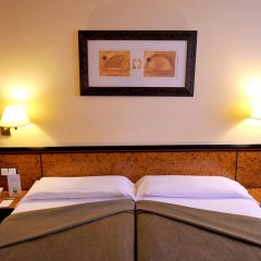 Hotel Glories комната для гостей