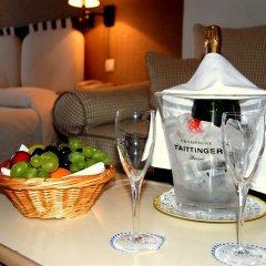 Отель Hôtel Le Grimaldi by Happyculture Франция, Ницца - 6 отзывов об отеле, цены и фото номеров - забронировать отель Hôtel Le Grimaldi by Happyculture онлайн в номере фото 2