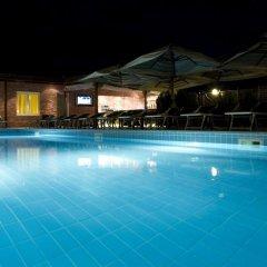 Grand Hotel Yerevan бассейн фото 3