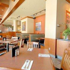 Отель GEC Granville Suites Downtown Канада, Ванкувер - отзывы, цены и фото номеров - забронировать отель GEC Granville Suites Downtown онлайн питание