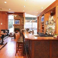 Отель GEC Granville Suites Downtown Канада, Ванкувер - отзывы, цены и фото номеров - забронировать отель GEC Granville Suites Downtown онлайн гостиничный бар