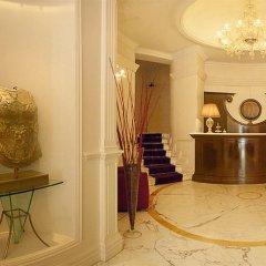 Hotel Gambrinus интерьер отеля