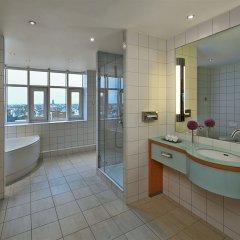 Отель Hilton Cologne ванная фото 8