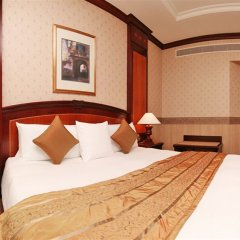 Carlton Palace Hotel сейф в номере