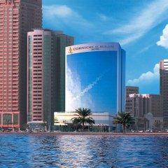 Отель Corniche Al Buhaira Hotel ОАЭ, Шарджа - отзывы, цены и фото номеров - забронировать отель Corniche Al Buhaira Hotel онлайн бассейн