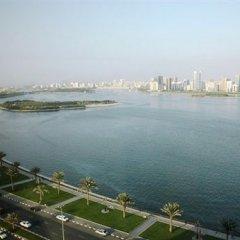 Отель Corniche Al Buhaira Hotel ОАЭ, Шарджа - отзывы, цены и фото номеров - забронировать отель Corniche Al Buhaira Hotel онлайн пляж фото 2