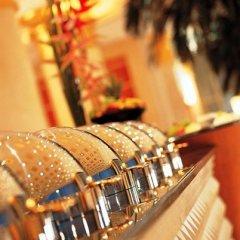 Отель Corniche Al Buhaira Hotel ОАЭ, Шарджа - отзывы, цены и фото номеров - забронировать отель Corniche Al Buhaira Hotel онлайн спортивное сооружение