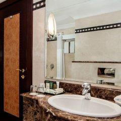 Отель Corniche Al Buhaira Hotel ОАЭ, Шарджа - отзывы, цены и фото номеров - забронировать отель Corniche Al Buhaira Hotel онлайн ванная