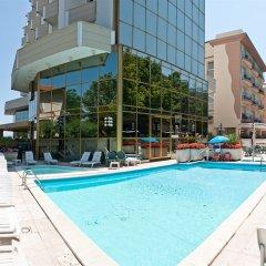 Diplomat Palace Hotel бассейн