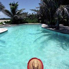 Отель Kamalame Cay бассейн