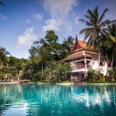 Отель Thavorn Beach Village Resort & Spa Phuket крытая спа-ванна