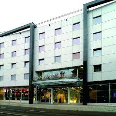 Hotel NH Düsseldorf City Nord вход в здание