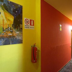 Ostello California - Hostel коридор