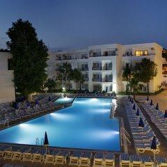 Отель Larissa Beach Club бассейн