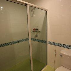 Отель Rojjana Residence ванная фото 3