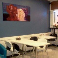 Отель Rojjana Residence кафе фото 2