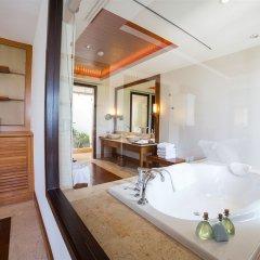 Отель Trisara Villas & Residences Phuket глубокая ванна