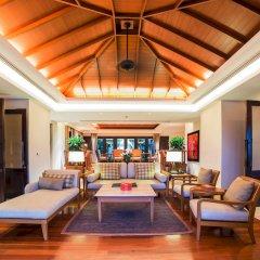 Отель Trisara Villas & Residences Phuket гостиная
