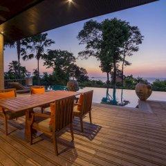 Отель Trisara Villas & Residences Phuket терраса/патио