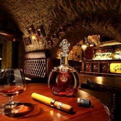 U Prince Hotel гостиничный бар