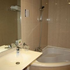 A&H Plaza del Liceo Hotel ванная
