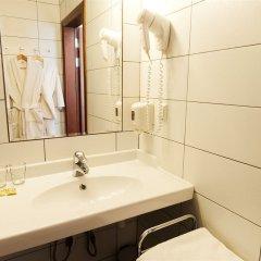 Гостиница Братья Карамазовы раковина ванной комнаты