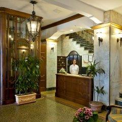 Hotel Continental Genova вестибюль