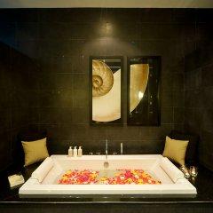 Отель The Pavilions, Suites глубокая ванна фото 2