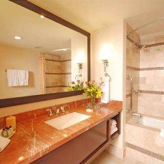Отель Embassy Suites Mexico City Reforma Мехико ванная