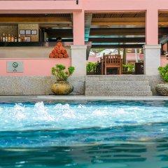 Seaview Patong Hotel бассейн