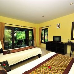 Princess Kamala Beachfront Hotel. 5* Улучшенное бунгало с различными типами кроватей