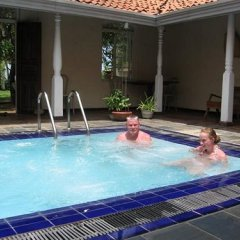 Отель Kosgoda Beach Resort бассейн
