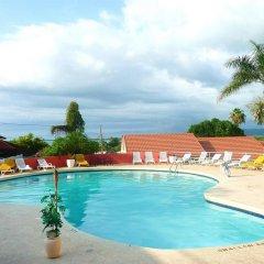 Отель Caribbean Sunset Resort бассейн
