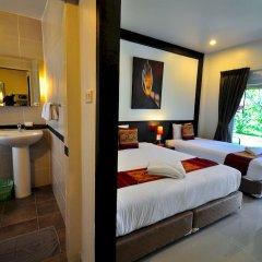 Phuket Airport Hotel комната для гостей фото 10