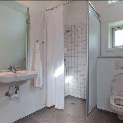 Отель Zleep Hotel Aalborg Дания, Алборг - отзывы, цены и фото номеров - забронировать отель Zleep Hotel Aalborg онлайн ванная